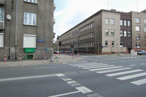 http://images23.fotosik.pl/194/bc1ccbb590ed0893med.jpg