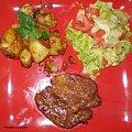 Schab z grilla z sosem sojowym grzybowym.Przepisy na : http://www.kulinaria.foody.pl/ , http://www.kuron.com.pl/ i http://kulinaria.uwrocie.info/ #schab #wieprzowina #mięso #obiad #jedzenie #kulinaria