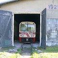 Koszalińska Kolej Wąskotorowa - Mbxd2-307. Wagon motorowy stoi w hali i czeka na wyjazd:) 23.05.2008 #Koszalin #Wąskotorówka #TMKW #KoszalińskaKolejWąskotorowa