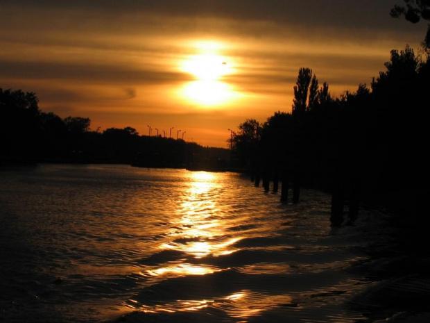 wspomnienia. #woda #zachod #słonce #kłodnica #wspomnienia