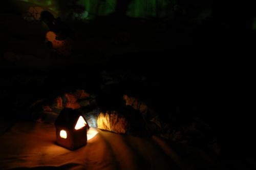 """....ale wystarczy zapalić płomyk, a """"strachole"""" uciekają do kątów... #NocneStrachy #WDziecięcymPokoju"""