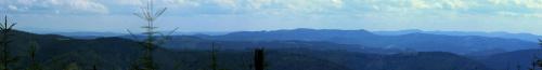 panorama spod Stołowa na południe. Widać część Fatry