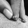 #dłonie #złoto #biżuteria