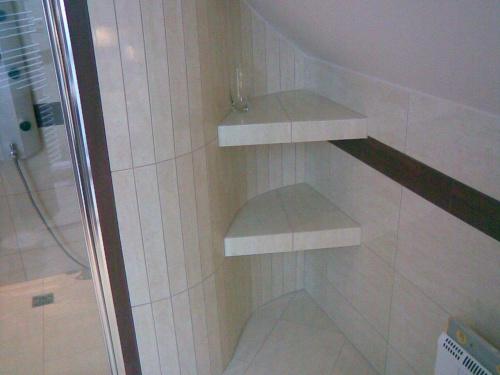 Prysznic Na Poddaszu Pod Skosem Pomysły I Wykonanie Poddasze Jest