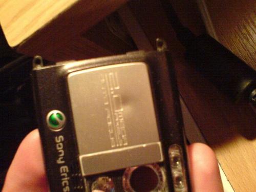 """Pomocy """"Zdjecie klapki zakrywajacej aparat W SE k750i &"""